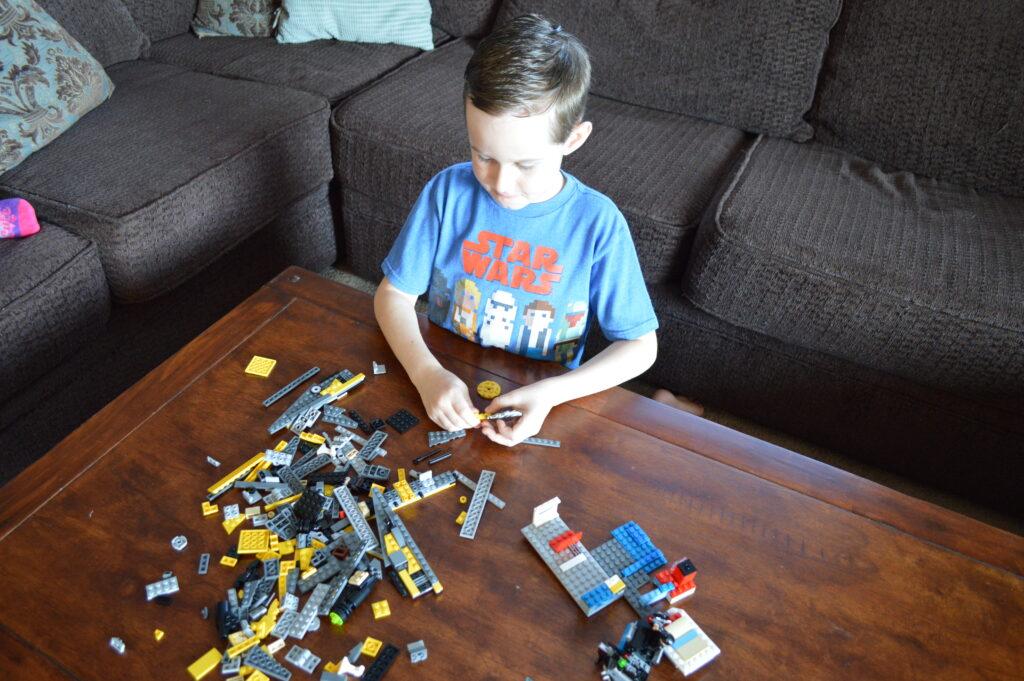 kindergartener Flashcard Lego Challenge