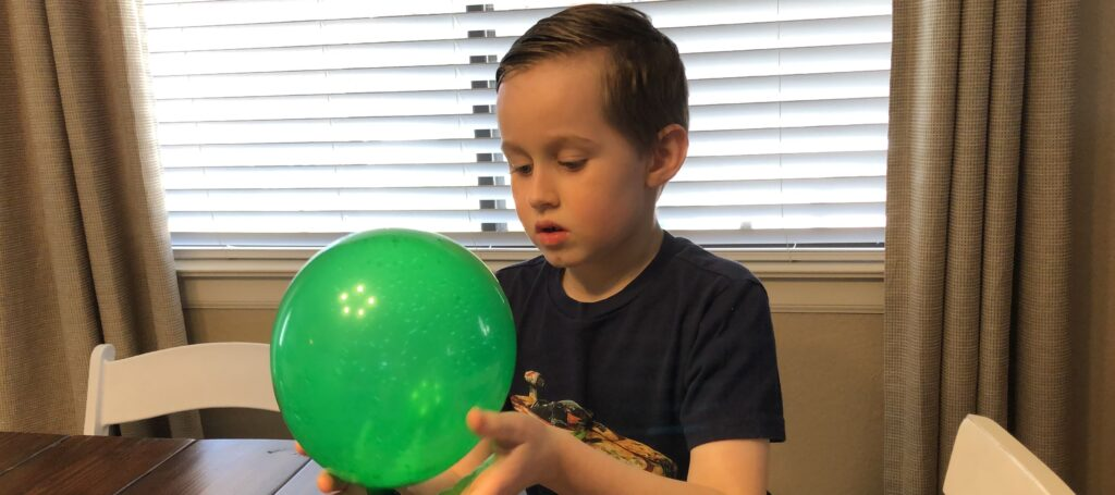 Balloon filling with yeast